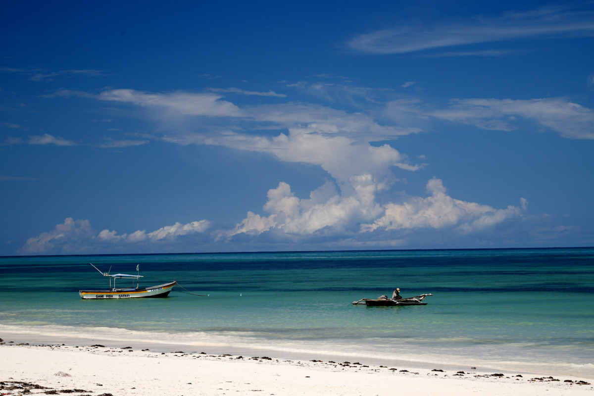 Zanzibar boats high tide